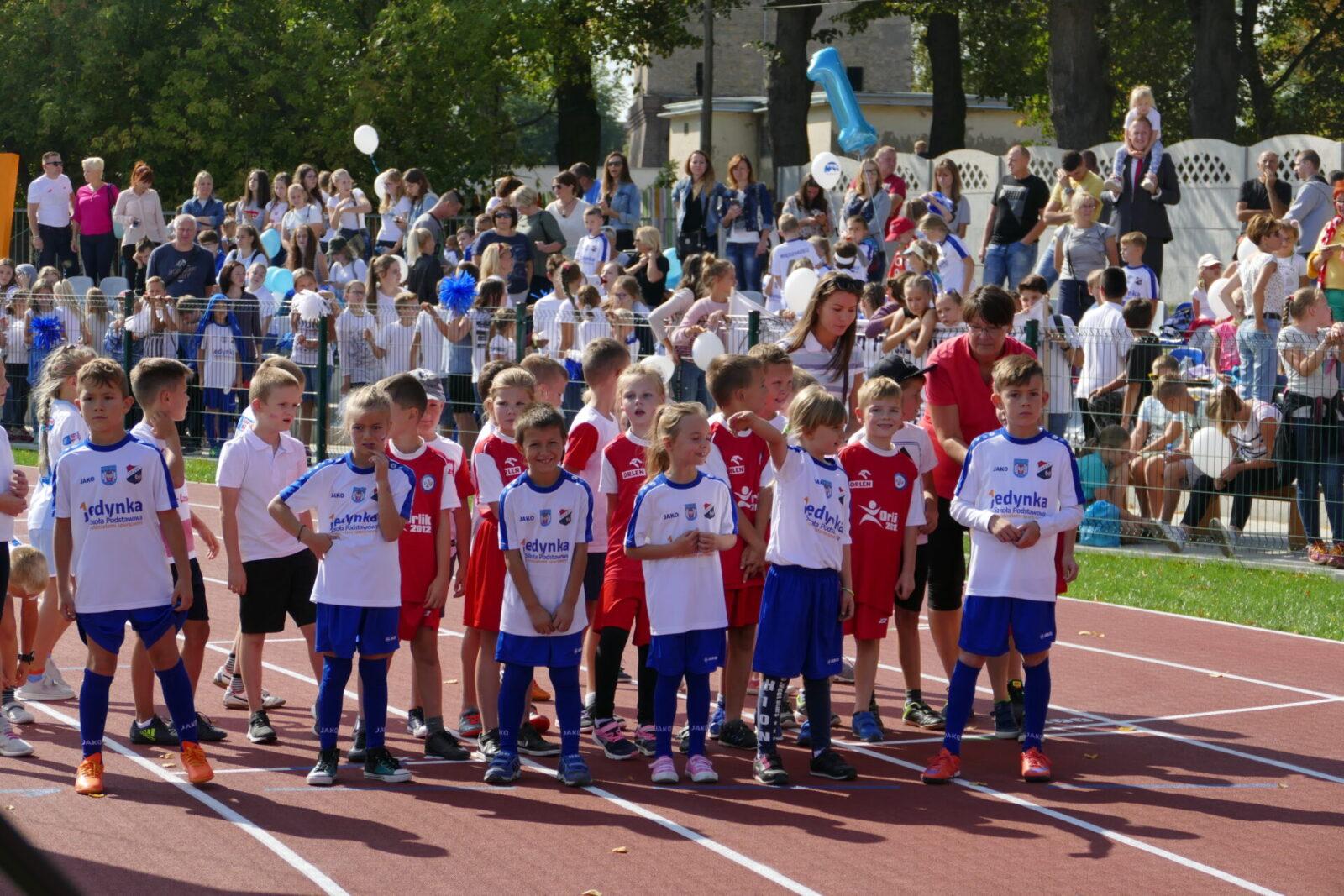 Zawody Lekkoatletyczne dla dzieci z okazji otwarcia Stadionu Miejskiego w Międzyrzeczu.